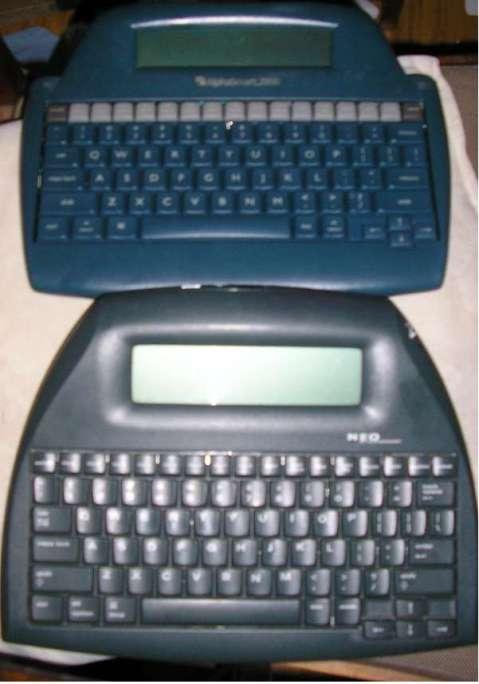 Top: Alphasmart 2000. Bottom: Neo 2.