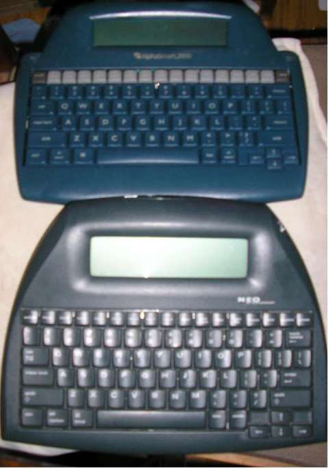 Top: Alphasmart 2000. Bottom: Neo 2.